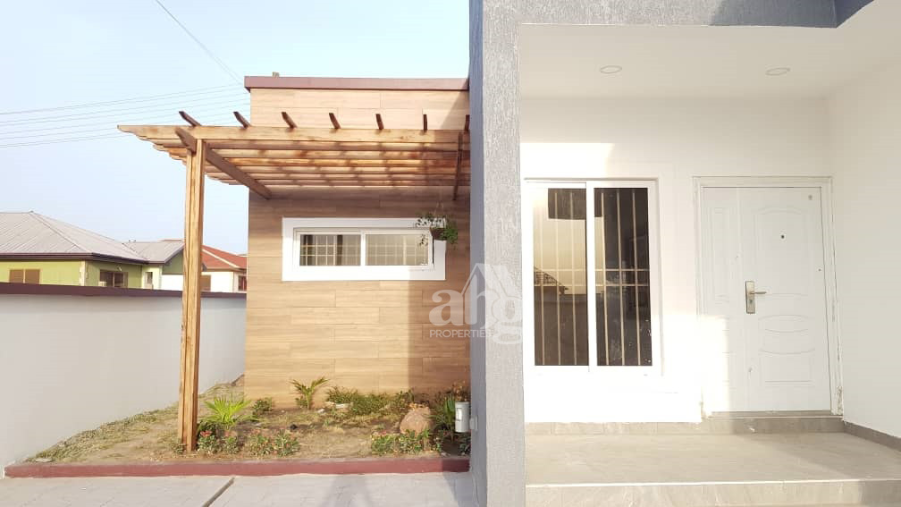 3 Bedrooms Bedrooms, ,3.5 BathroomsBathrooms,Villa,For Sale,1064