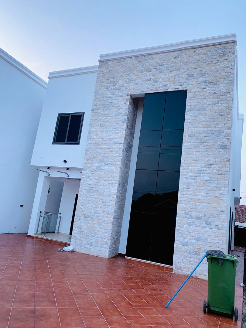 6 Bedrooms Bedrooms, ,5 BathroomsBathrooms,Villa,For Sale,1069